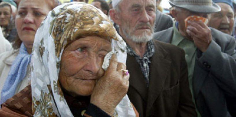 Criza din Ucraina: Tatarii din Crimeea comemoreaza deportarea lor din vremea lui Stalin