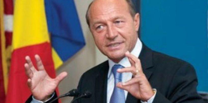Traian Băsescu la Conferinta Nationala a Agricultorilor: În viaţă trebuie să faci două lucruri – să ai copii şi să ai pământ