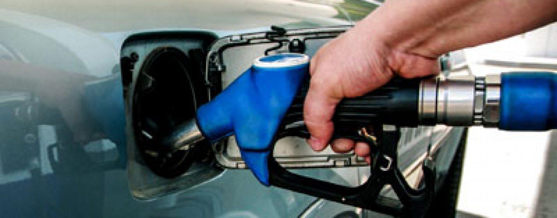 Declin abrupt al vanzarii cu amanuntul a carburantilor dupa introducerea accizei suplimentare