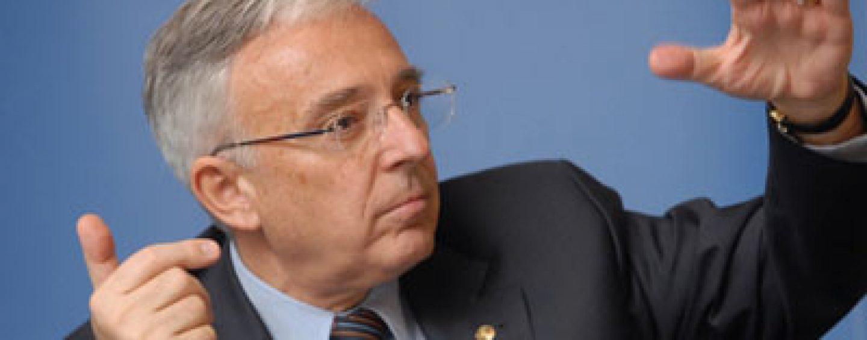 Mugur Isarescu: Exista consens pentru aderarea Romaniei la zona euro în 2019