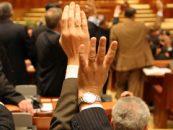 Parlamentul a votat pentru demisia lui Traian Basescu. PDL si PMP au boicotat sedinta