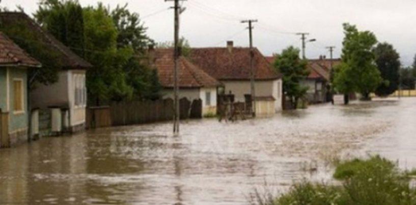 Din nou natura s-a dezlantuit. Cod rosu de inundatii pe raurile din Oltenia