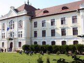 Un nou liceu romanesc, pe cale a fi desfiintat. UDMR continua politica de purificare etnica din scolile ardelene