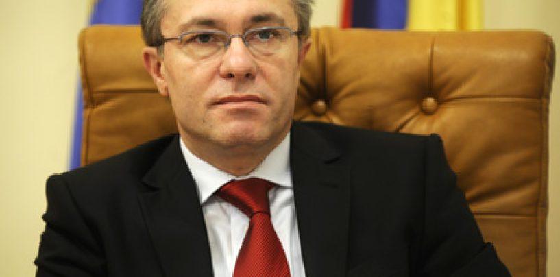 Umilinta suprema: Cristian Diaconescu renunta la candidatura pentru a o sustine pe Elena Udrea