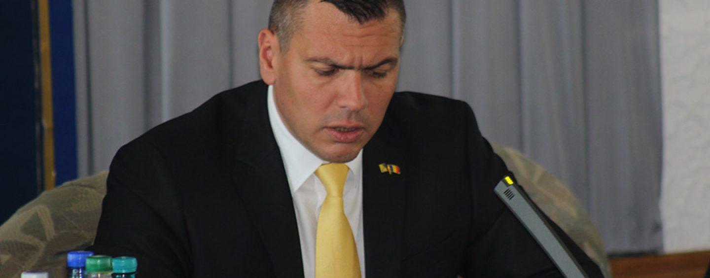 Președintele Consiliului Județean Satu Mare, Adrian Ștef,  a fost dat afară din PNL. Răspunsul acestuia