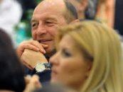 Traian Basescu a semnat pentru Elena Udrea: Este hotarata, este mai inteligenta decat Victor Ponta
