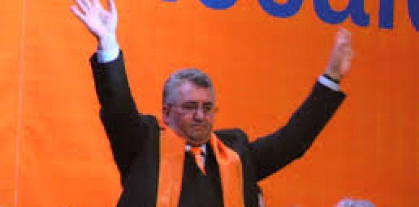 Cade un important bastion al PDL, chiar inainte de alegeri: Primarul Sucevei, Ion Lungu, trece la PSD