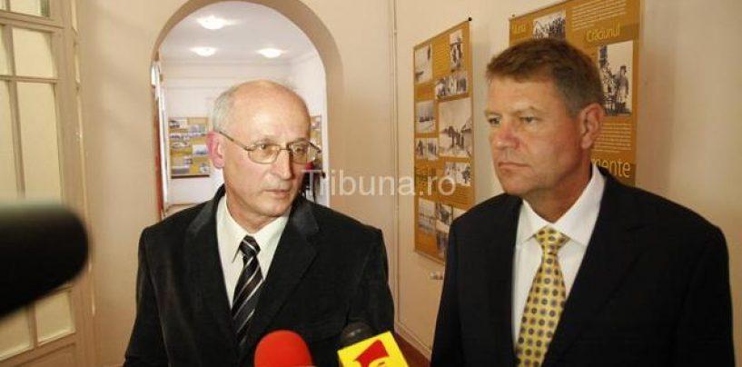Cum au zburat de pe Aeroportul Sibiu peste 100 de milioane euro. Un gheșeft al primarului  Klaus Iohannis, în colaborare cu fostul șef al CJ, Martin Bottesch