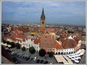 """""""Sibiul lucrului bine facut"""". Biserica Evanghelica ii arunca in strada pe romanii din centrul orasului. Ce face Klaus Iohannis?"""