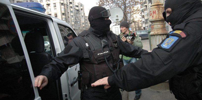 Procurorii efectuează percheziții în Giurgiu la polițiști de frontieră acuzați de corupție