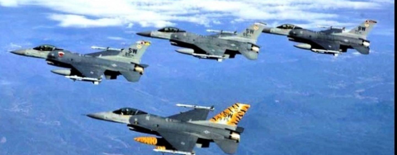 NATO a interceptat un mare număr de avioane militare rusești zburând aproape de spațiul aerian european