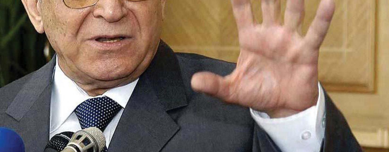 Parchetul General dispune punerea în mişcare a acţiunii penale faţă de Ion Iliescu