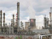 Rafinaria Lukoil îşi reia activitatea. Sechestrul pe conturile şi stocurile Petrotel a fost ridicat