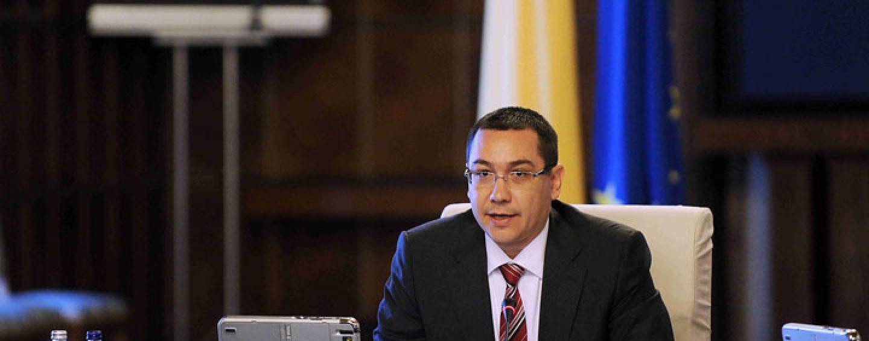 Mihai Razvan Ungureanu: Victor Ponta este în momentul de faţă aidoma unui echilibrist căţărat pe mai multe scaune suprapuse