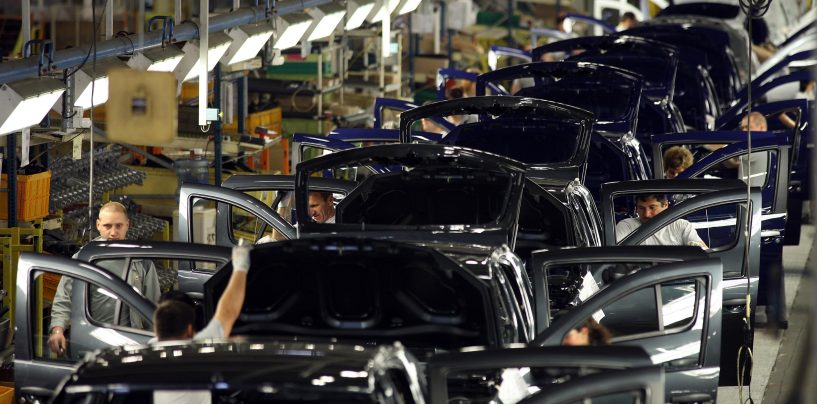 Producţia industrială a crescut în primele nouă luni din 2014