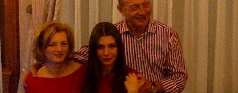 Traian Băsescu este bunic de băiat. Ioana a născut primul copil