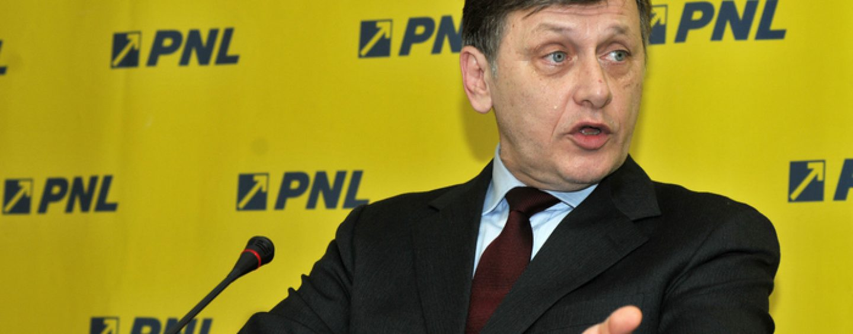 Crin Antonescu: Nu am in agenda revenirea la conducerea PNL. Victor Ponta a primit o lovitura fatala