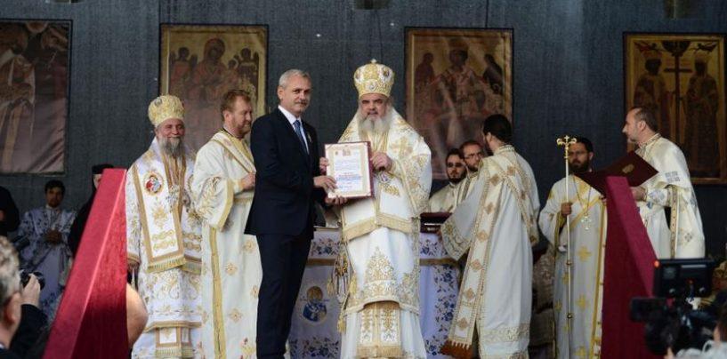 Dragnea despre implicarea Bisericii în campanie: De ce să nu-l susţină BOR pe Ponta?