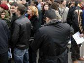 Vot masiv in Republica Moldova. Cozi la sectiile de votare de la 6 dimineata
