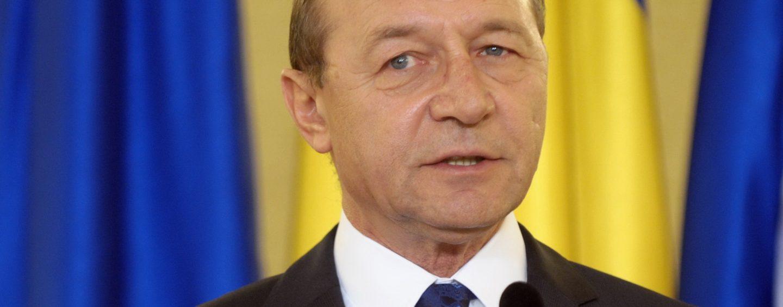 Traian Băsescu cere prelungirea programului de vot în diaspora până la ora 24.00