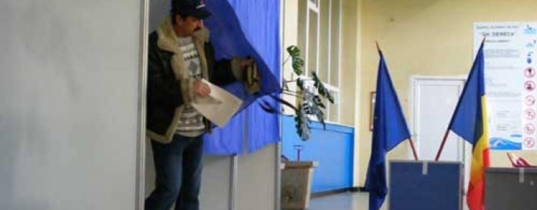 PREZENŢĂ-RECORD LA VOT în turul II: 58,65%. În Bucureşti: 60,03%