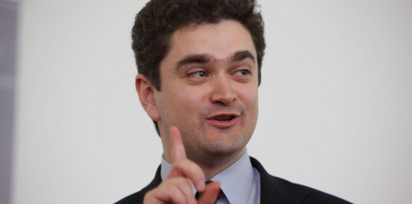 Cu politicianul la psiholog/ Teodor Paleologu: În partide e plin de țicniți