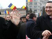 Presedintele Klaus Iohannis si premierul Victor Ponta, prinsi in hora la Iasi, cu ocazia sarbatoririi Unirii de la 1859. Un moment de normalitate, dupa 10 ani de regim Basescu