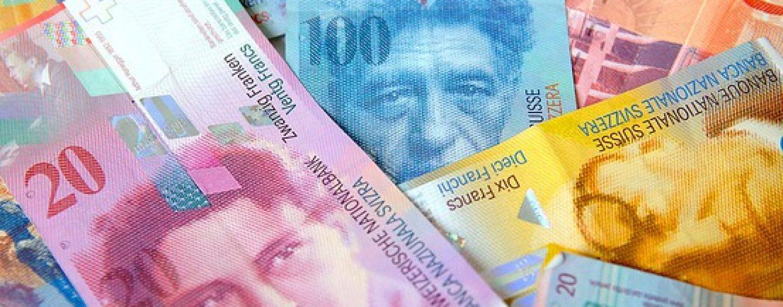 Francul elvețian, pe masa Parlamentului, FMI și BNR