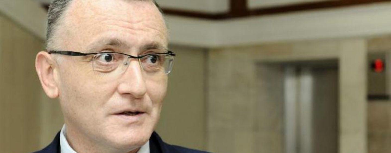 """Ministrul Educatiei anunta concursuri """"pe baza de competente"""" pentru functiile de directori de scoli"""