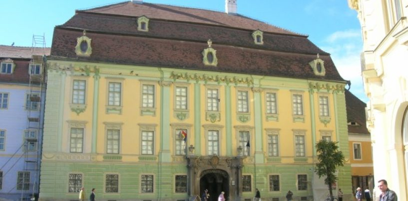 Muzeul Brukenthal cere ajutorul populatiei pentru restaurare. Ce face proprietarul de drept, Biserica Evanghelica?