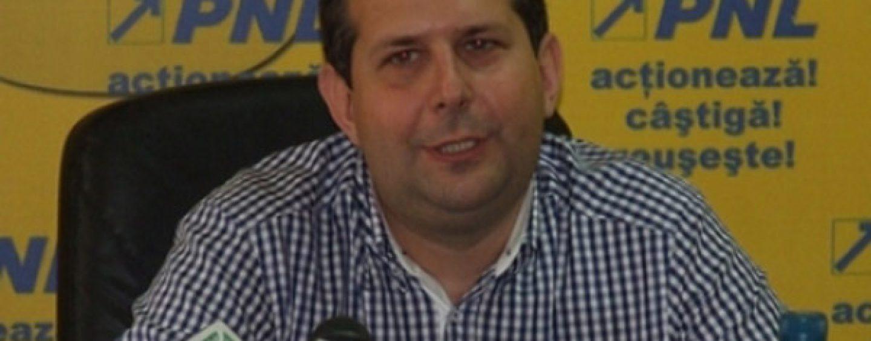 Procurorii DNA cer arestarea preventiva a deputatului Theodor Nicolescu. El este acuzat de abuz in serviciu si luare de mita