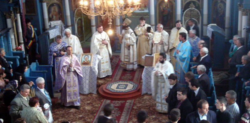 Campanie desantata a Bisericii Ortodoxe cu vedete romanesti pentru a impune ora de religie in scoala