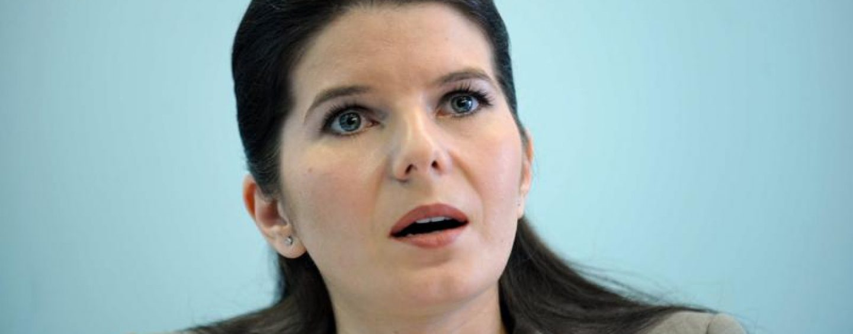 Monica Iacob Ridzi cere indurarea de la presedintele Klaus Iohannis. Ea vrea sa fie eliberata conditionat pentru copiii sai