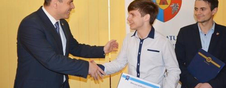 Un regizor satmarean, premiat de CJ  pentru castigarea unui premiu international de film