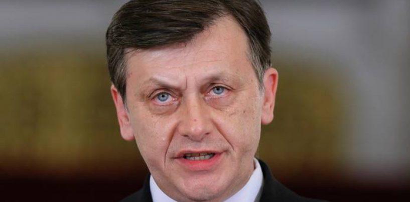 Cine este rebelul liberal: Nu pot vota pentru Mihai Razvan Ungureanu