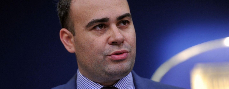 Darius Valcov s-a ales cu un nou dosar penal. El este acuzat de trafic de influenta si luare de mita
