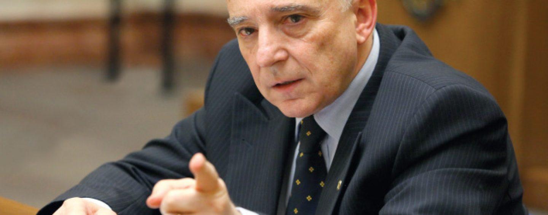 Parlamentarii ar putea decide detronarea lui Mugur Isarescu din fruntea BNR. Un proiect de lege al PNL prevede limitarea mandatelor guvernatorului