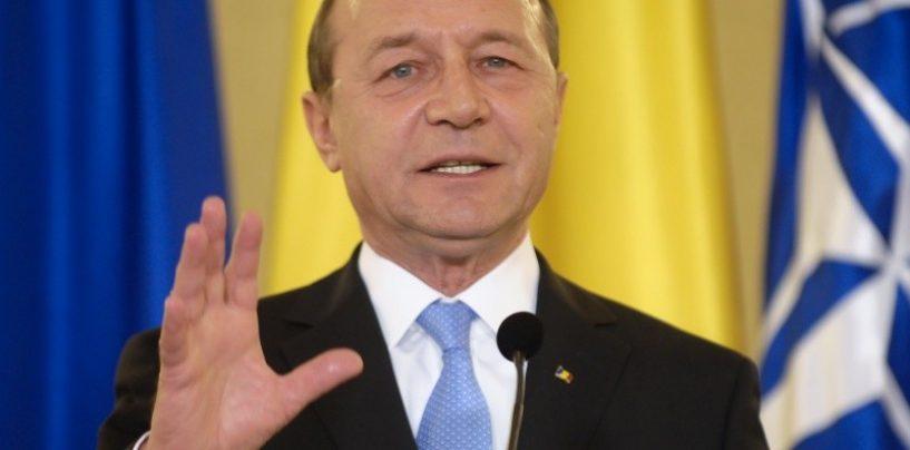 """Traian Basescu va da in judecata Antena 3 . """"Este un document fals"""""""