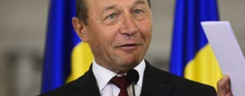 A aparut dovada: Traian Basescu a fost turnator la Securitate. El ar fi primit 1500 dolari pentru propaganda comunista