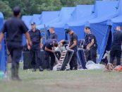 Am intrat in febra crizei refugiatilor: zeci de corturi militare instalate la granita cu Serbia