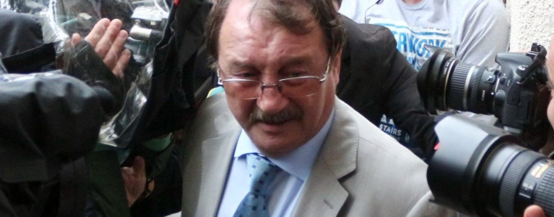 Mircea Basescu, inregistrat cand cerea mita de la familia lui Bercea Mondial pentru a-l  salva pe interlop. Raspunsul acestuia: poate eram beat