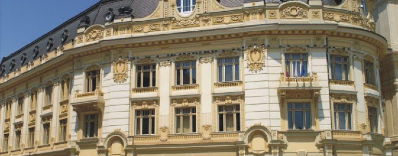Notarii lui Klaus Iohannis, implicati in dosarul retrocedarilor ilegale din Sibiu. Acuzatii: dare de mita, trafic de influenta, spalare de bani, fals in inscrisuri
