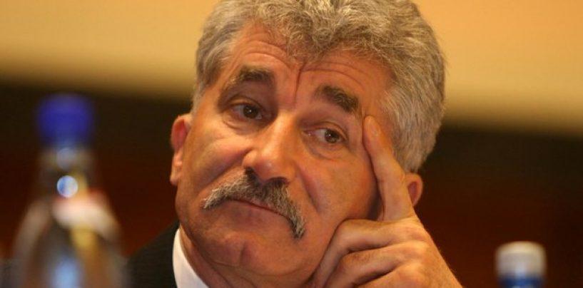 Deputatul PNL, Ioan Oltean, saltat de procurorii DNA de pe aeroport si dus direct la audieri