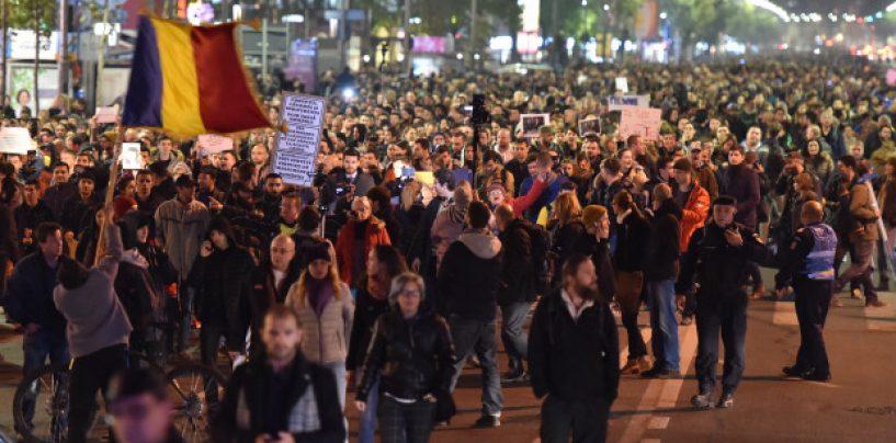 Dupa disperare, urmeaza revolta. Peste 15 000 de manifestanti isi striga ura fata de politicieni