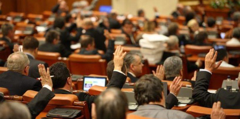 """Avem Guvernul Dacian Ciolos. Noul Executiv a fost votat in Parlament cu 389 """"pentru"""" si 115 """"impotriva"""""""