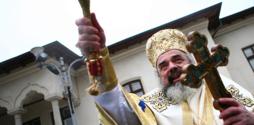 S-a trezit BOR, la presiunea strazii! Patriarhul Daniel va oficia o slujba pentru victimele de la Clubul Colectiv