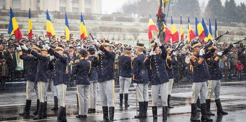 Ziua Nationala a Romaniei. Parada militara de toata frumusetea In Piata Constitutiei