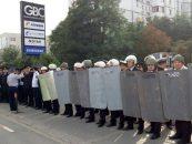 Dezordine totala in Republica Moldova. Noul Guvern a fost investit in secret. Manifestantii pro-rusi asediasera Parlamentul