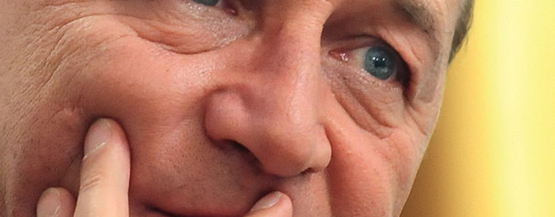 Traian Basescu catre Dan Mihalache: In timpul in care nu dormi, ai putea sa-i recomanzi sefului tau, sa mai stea pe acasa