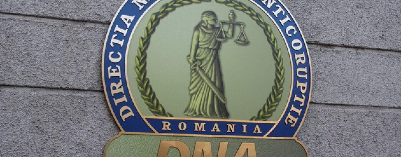 Trei primari din judetul Arad au fost trimisi in judecata pentru mita